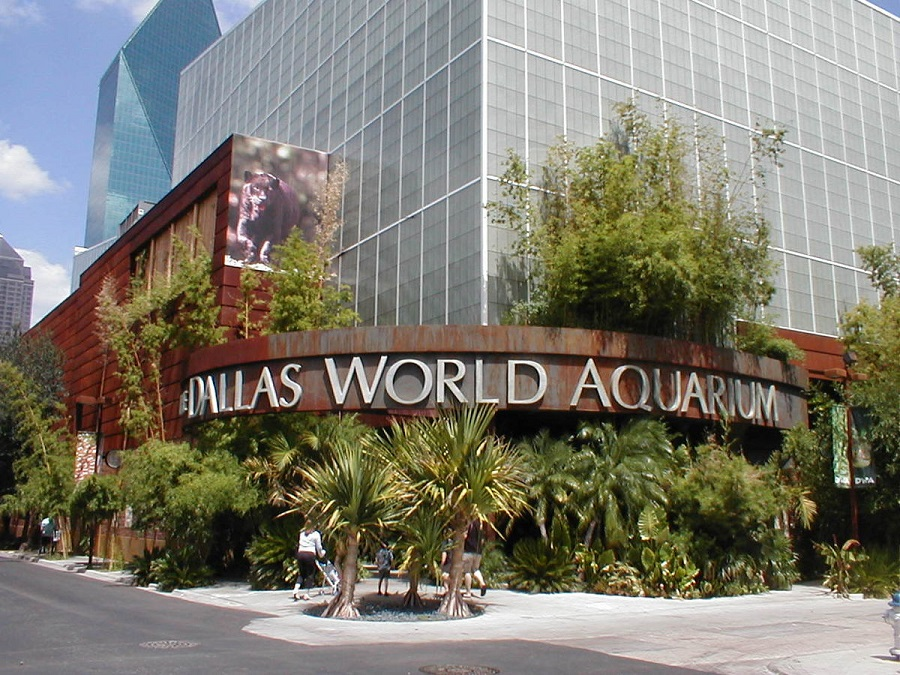sell your Dallas-Fort Worth house [Dallas World Aquarium Entrance]